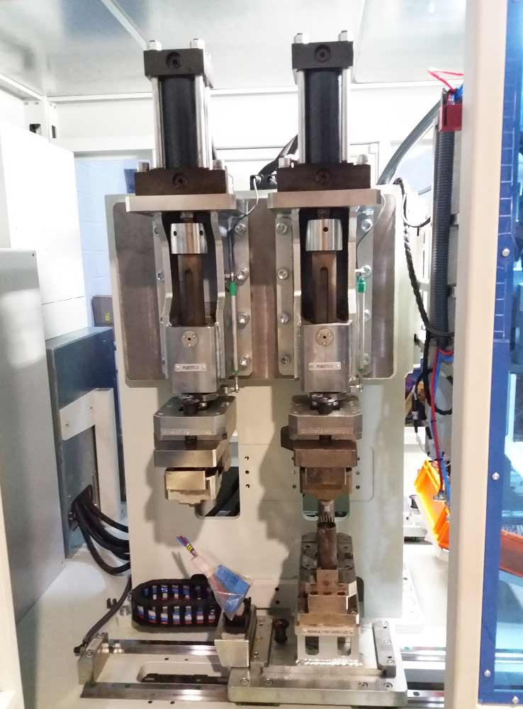 fabricacion maquina insercion remachado tubitos 4